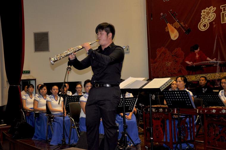 萨克斯独奏《月亮代表我的心》-陕西省西安中学——新闻内容